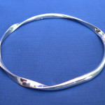 small no of twists bangle